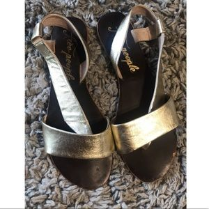 ✨Free People Leather strap flat sandal